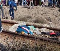 إصابة شاب صدمه قطار في قنا