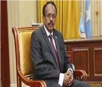 الرئيس الصومالي يسحب صلاحيات من رئيس الوزراء