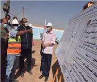 محافظ أسيوط يتفقد مشروع إحلال وتجديد خطوط المياه في قرية الحبايشة