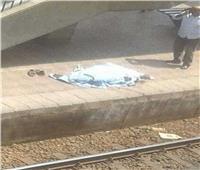 انتحار «مسن» أسفل عجلات المترو في محطة المعادي
