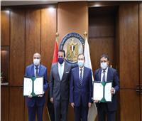 «عبدالغفار» و«الملا» يوقعان بروتوكولًا لتدريب طلاب جامعة القاهرة في البترول
