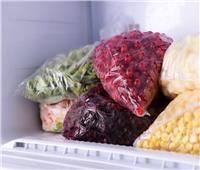 طرق سهلة وفعالة لحفظ الأطعمة بالفريزر