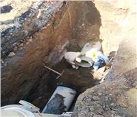 إصلاح خط الطرد الرئيسي بالكرور وإعادة تدفق مياه الشرب بمدينة أسوان