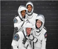 عودة أول فريق مدني يصعد للفضاء من أجل رحلات سياحية