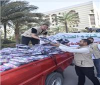 بيت الزكاة يبدأ حملة توزيع ١٠٠ ألف شنطة مدرسية