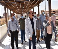 محافظ أسوان يطالب بمرعاة ذوى الاحتياجات فى انشاءات مول طريق السادات