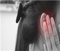 الطنين بالأذن من الأعراض الجديدة لـ«دلتا بلس»