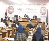النواب الليبي يسحب الثقة من حكومة الدبيبة.. وباريس تتمسك بعقد الانتخابات