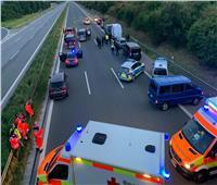 الشرطة الألمانية تلقي القبض على مسلح احتجز رهائن داخل حافلة