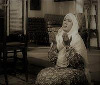 معاناة فردوس محمد.. ولدت يتيمة وحرمت من الأطفال وخطفها «السرطان»