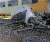 صور  مصرع شخص في تصادم قطار وسيارة ملاكي بقنا