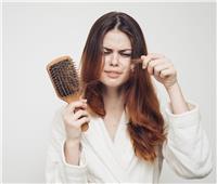 علماء يكشفون ارتباطا كبيرا بين تساقط الشعر والإصابة بفيروس كورونا