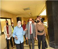 رئيس جامعة أسيوط يوجه بتعظيم الفائدة من كافة وحدات ومرافق الجامعة