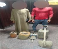 ضبط شخصين لقيامهم بالتنقيب عن الآثار داخل عقار بمنشأة ناصر