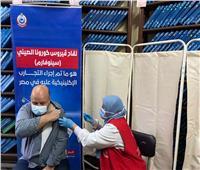 رفعت زيادة..أول لاجئ في مصر يحصل علي لقاح فيروس كورونا| صور