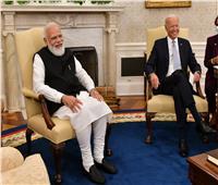 بايدن مازحاً «رئيس وزراء الهند»: هل نحن أقارب؟