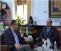 رئيس جامعة الإسكندرية وقنصل السعودية يبحثان تعزيز التعاون العلمي والبحثي