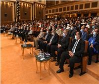 وزيرا «الإنتاج الحربي» و«الشباب والرياضة» يشهدان حفل تخرج الدفعة الثانية من الأكاديمية المصرية للهندسة