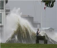 أمريكا ترفع درجة الاستعداد للإعصار سام