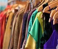 ضبط ملابس مجهولة المصدر ومحاضر لعدم حمل شهادات صحية في الإسكندرية