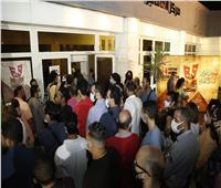 زحام جماهيري كبير على مسرح الهناجر بسبب «ديجافو»| صور