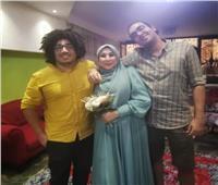 بعد زواج السيدة سحر بمساعدة أبناءها .. جمهور السوشيال: « وضع جديد في مجتمعنا»