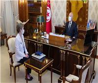 «فخر وبهجة».. نساء تونس يعلقن على تعيين بودن رئيسة للوزراء