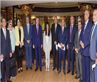 """""""التعاون الدولي"""" تفتتح جلسة تداول البورصة"""