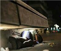 مواطن من كفر الشيخ يستغيث.. أطفالي ينامون في صناديق القمامة