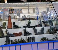 بيع الأسلحة الأمريكية في متاجر السلاح الأفغانية   صور