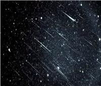 «البحوث الفلكية» يكشف موعد مشاهدة ظاهرة «شهب التنين»| فيديو