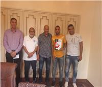 إيهاب سمير وأحمد عفيفي يوقعان لغزل المحلة