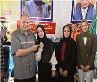 محافظ أسيوط يشهد توزيع المستلزمات المدرسية على الطلاب والأطفال الأيتام