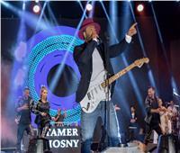 الجماهير تكسر حاجز الـ 100 ألف في حفل تامر حسني بالأردن