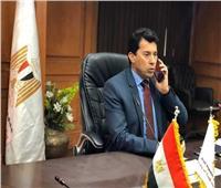 وزير الشباب والرياضة ومحافظ الجيزة يفتتحان حمام السباحة بنادي الترسانة