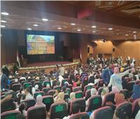 طابور عرض عسكري.. جامعة المنصورة تحتفل بانتصارات أكتوبر