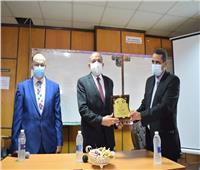 رئيس جامعة بنى سويف يفتتح قسم الهندسة الكهربائية