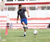 طارق حامد يشارك في تدريب المستبعدين بالزمالك