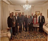 سفير مصر بالمجر يستضيف أبطال فيلم «1919» على مأدبة عشاء بـ«بودابست» صور