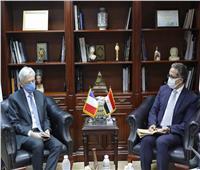 لبحث زيادة الحركة الوافدة... وزير السياحة يستقبل سفير فرنسا بالقاهرة
