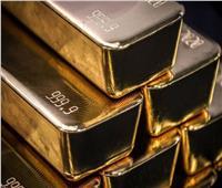 الذهب يرتفع لأعلى مستوى في شهر مع تراجع الدولار
