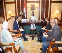 وزيرة الهجرة تعقد اجتماعًا مع ممثلي مؤسسة حياة كريمة لبحث مشاركة المصريين بكندا