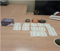 «جمارك مطار القاهرة» تحبط محاولة تهريب أقراص مخدرة