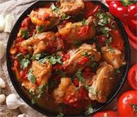 لعاشقات المطبخ المكسيكي.. طريقة عمل يخنة الدجاج المكسيكي