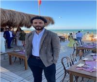 حسام غالى وزوجته فى حفل زفاف مدرب اللياقة البدنية علي مظهر