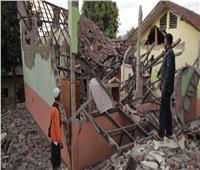 زلزال يضرب جزيرة بالي الإندونيسية ويودي بحياة 3 أشخاص ويلحق أضرارًا بالمباني