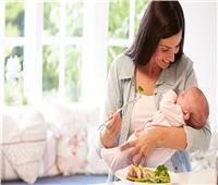 يسبب سوء التغذية للرضيع .. احذر اتباع النظام النباتي خلال الرضاعة