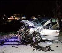 بالأسماء.. إصابة سيدتين ورجل في انقلاب سيارة بـ«الوادي الجديد»