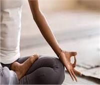 بالفيديو  مدربة يوجا: تمارين التنفس تُخرج الطاقة السلبية من الجسم