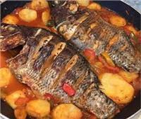 لعاشقين الأسماك .. طريقة عمل صينية سمك بالبطاطس بالفرن